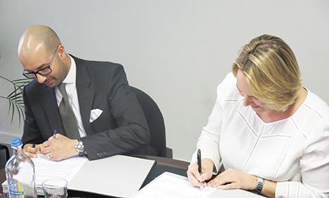 Signature de la charte de collaboration entre la Plate-forme diversité et Céline Fremault
